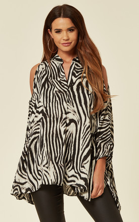 Oversized Cold Shoulder Shirt In Black And White Zebra Print by CY Boutique Product photo