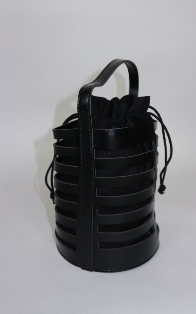 Black bucket bag by Unscripted