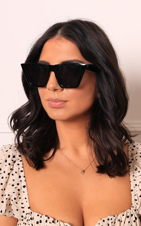 Edgy Angled Cateye Womens Sunglasses In Black by One Nation Clothing