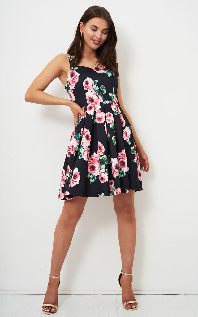 ff9ff37e0916b Leylah Pleated Floral Print Dress By Frontrow Limited