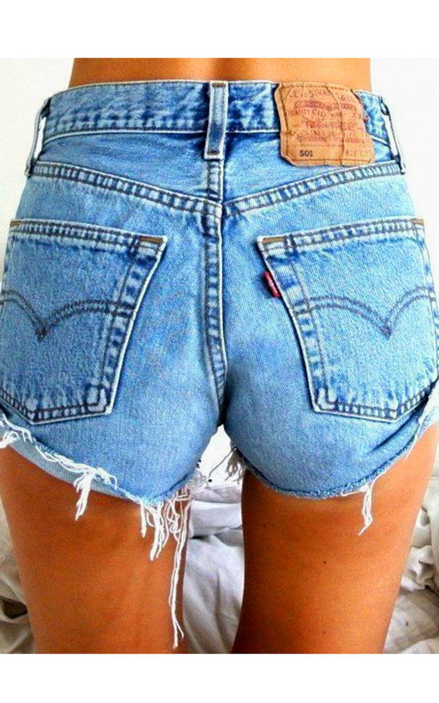High Waisted Levis Shorts by Top Threads