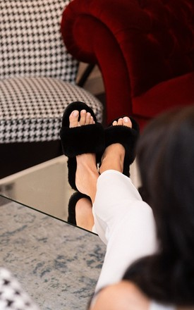 Black spa slippers by Sheepers