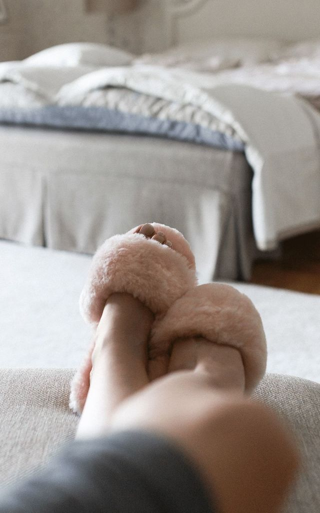 Pink spa sheepskin slippers by Sheepers