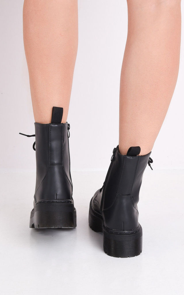Lace up platform combat ankle boots black by LILY LULU FASHION