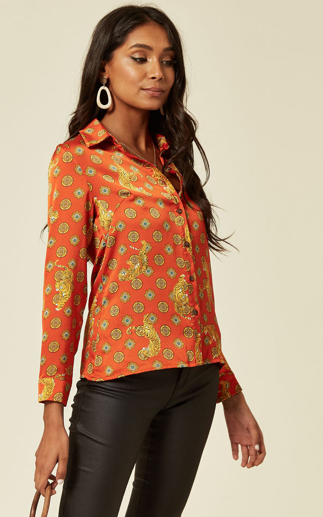 Satin tiger print shirt with long sleeves in orange-red. by D.Anna