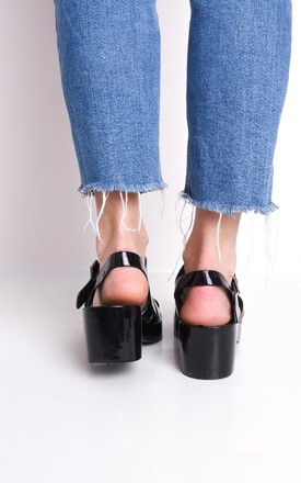 Cleated block heeled jelly sandals black by LILY LULU FASHION