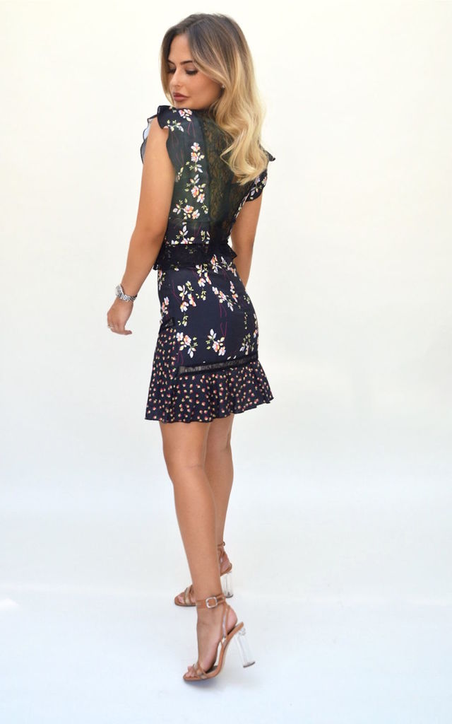 "Dress with Ruffle Sleeve and Lace in Navy Floral Print ""Chelsea"" by Storm Label"