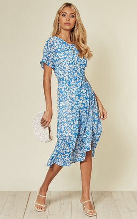 Short Sleeve Midi Dress With Frill Detail In White And Azure Blue Floral by D.Anna Product photo