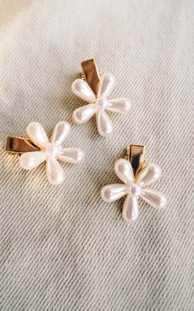 Willow Flower Floral Pearl Hair Clip by Ajouter Store