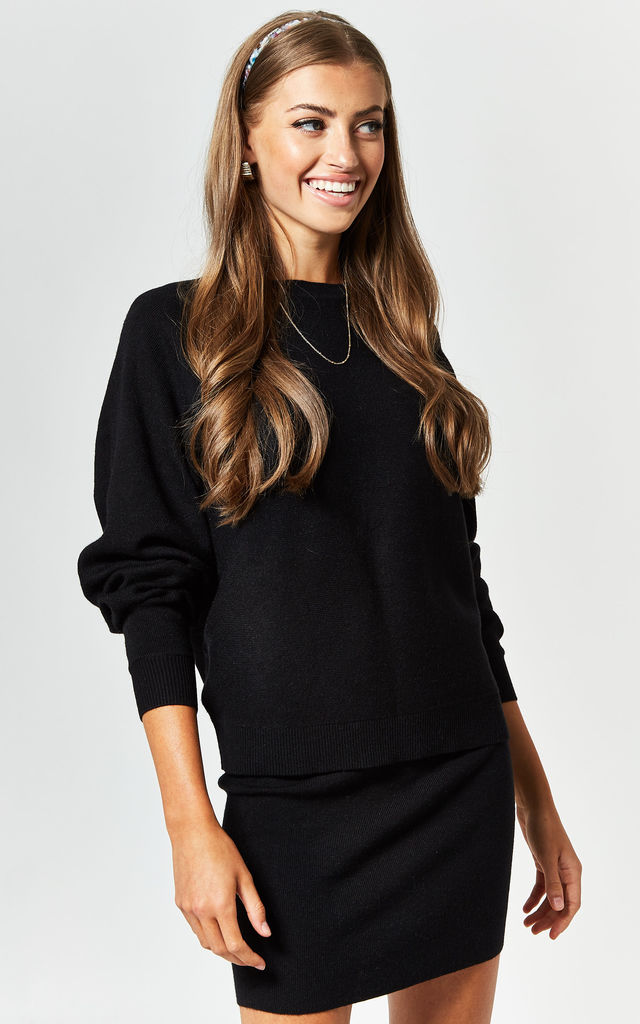 Long Sleeve Knitted Top in Black by Noisy May