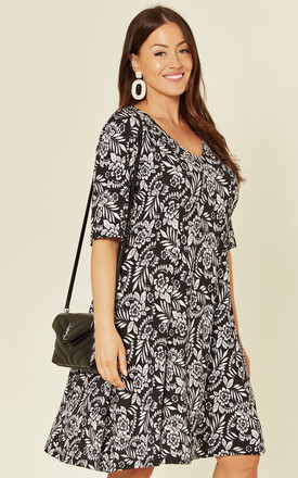 Plus size 3/4 Sleeve Dress in Black and White Floral Print by Praslin