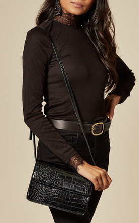 Shoulder Bag In Black Faux Snakeskin by Pieces Product photo