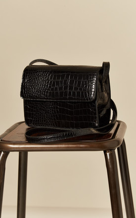 SHOULDER BAG IN BLACK FAUX SNAKESKIN by Pieces