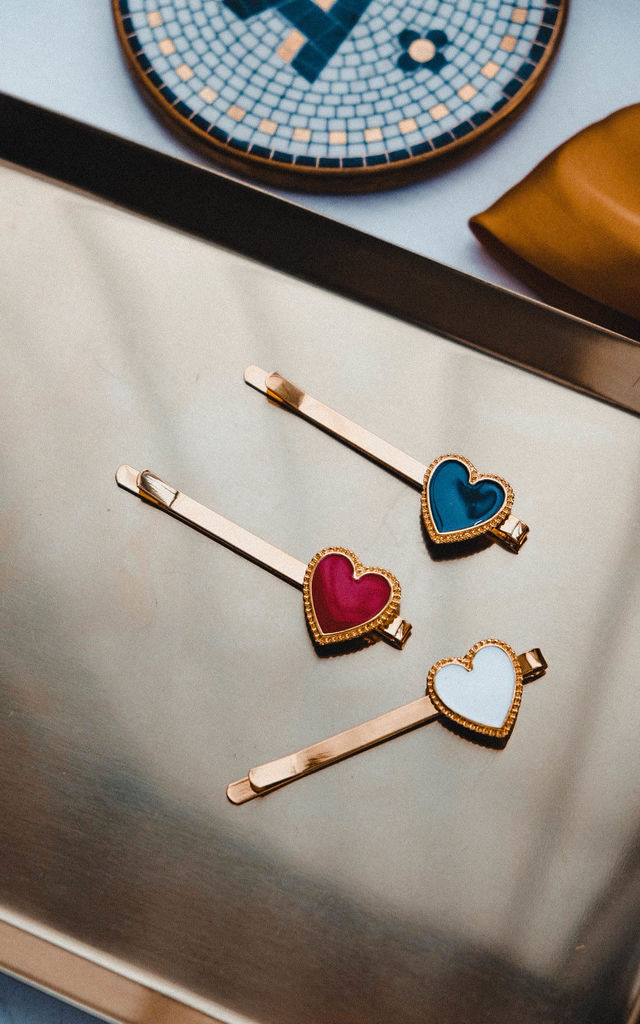 Dennie Love Heart Hair Slide in Black/Gold by Ajouter Store