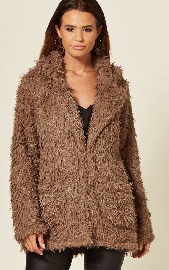 PEGGY SHAGGY FAUX FUR JACKET IN BROWN by Blue Vanilla