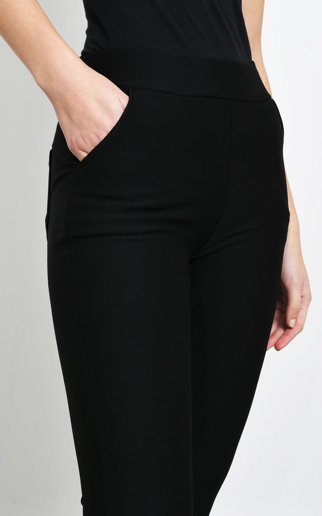 Black Cropped Leggings With Pockets by Lucy Sparks