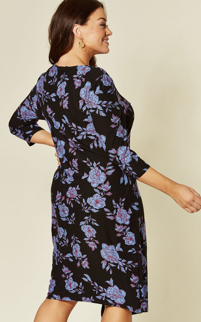 DIANA CURVE BLUE FLORAL SIDE RUCHED DRESS by Blue Vanilla