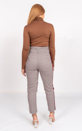 Tailored checked trousers in brown by Miss Attire