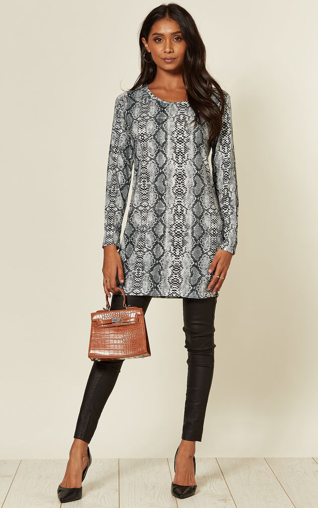 LONG SLEEVE JERSEY TOP IN GREY SNAKEPRINT by Malissa J Collection