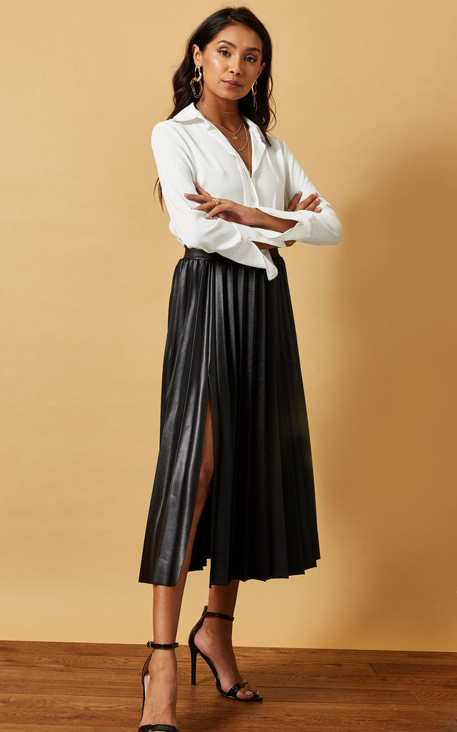 BLACK PLEATED MIDI SKIRT IN COATED JERSEY by Phoenix & Feather