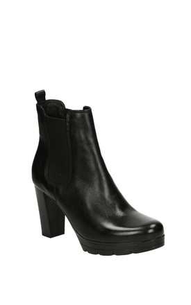 RUBBER SOLE BLACK LEATHER ANKLE BOOTS by E&A Fashion