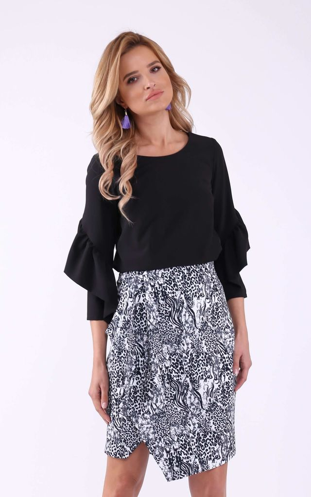 Black 3/4 sleeves U-neck frill top by Bergamo