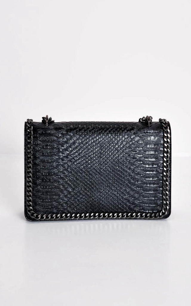 Snakeskin effect chain shoulder bag black by LILY LULU FASHION