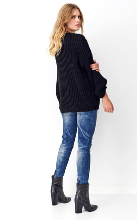 Round Neck Oversized Jumper in Black by Makadamia