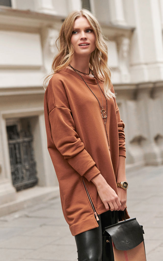 High Low Oversized Sweatshirt in Brown by Makadamia