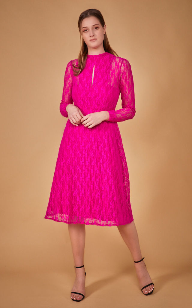 Lace midi dress Amelie in pink by COCOOVE