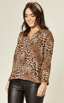 Long Sleeve Shirt In Leopard Print by Twist and Turn Product photo