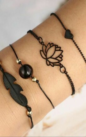 Pack Of 4 | Black Bead Bracelet Set With Lotus And Feather Charms by GIGILAND Product photo