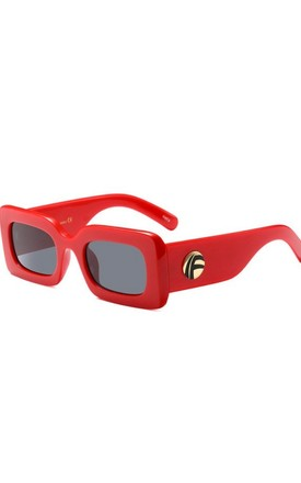 SMALL SQUARE SUNGLASSES in red by LOES House