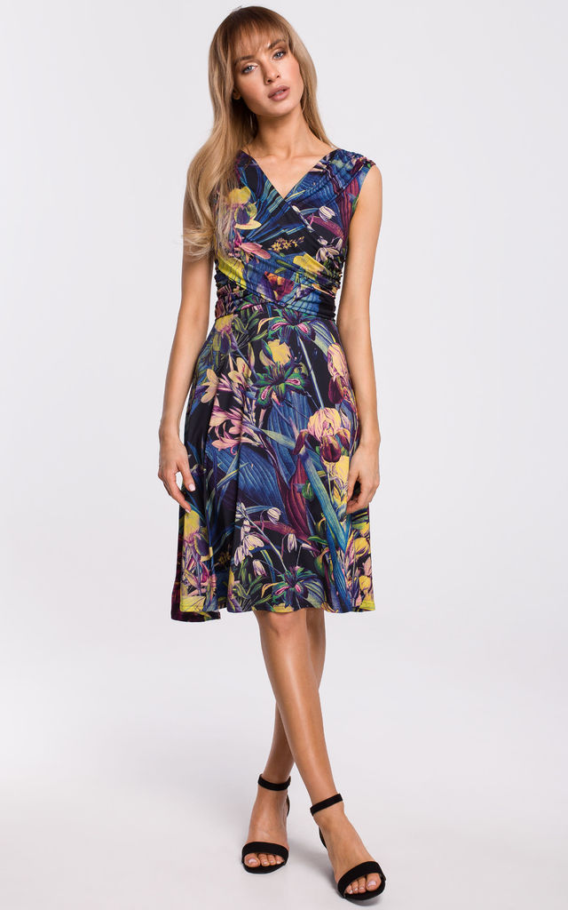 Summer Sleeveless Wrap Dress in Blue Floral Print by MOE