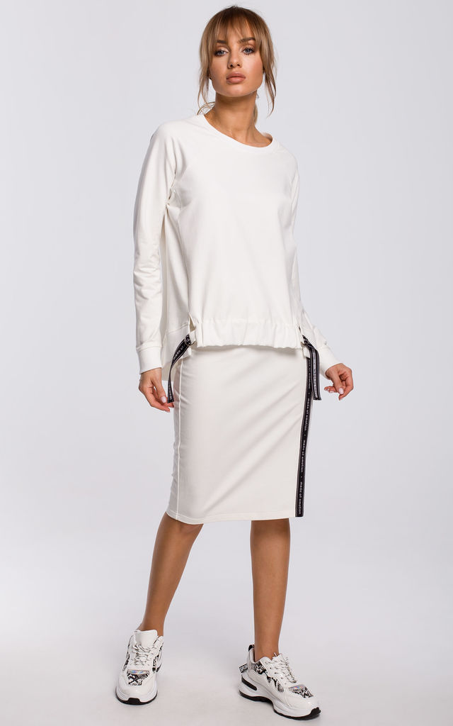 Cozy and Comfy Oversized Ecru Jumper with Logo Stripes by MOE