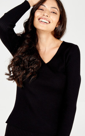 ALMA - V-Neck Rib Jumper Set by Blue Vanilla