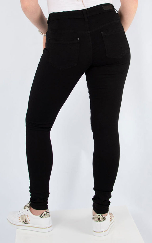 Low Rise Skinny Jeans | Black by number 37