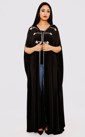 Selham Princesse Full-Length Hooded Traditional Cape in Black by Diamantine