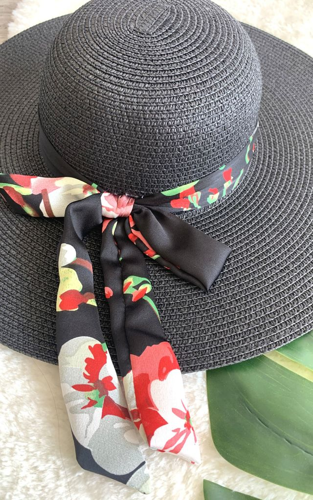 Black floppy flower hat by Unscripted
