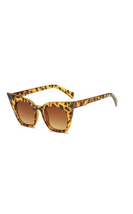 Isla Super Cat Eye Sunglasses Leopard by Don't Be Shady
