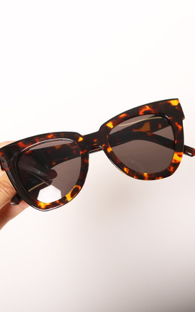 Helen Chunky Rounded Cateye Womens Sunglasses in Tortoiseshell Brown by One Nation Clothing