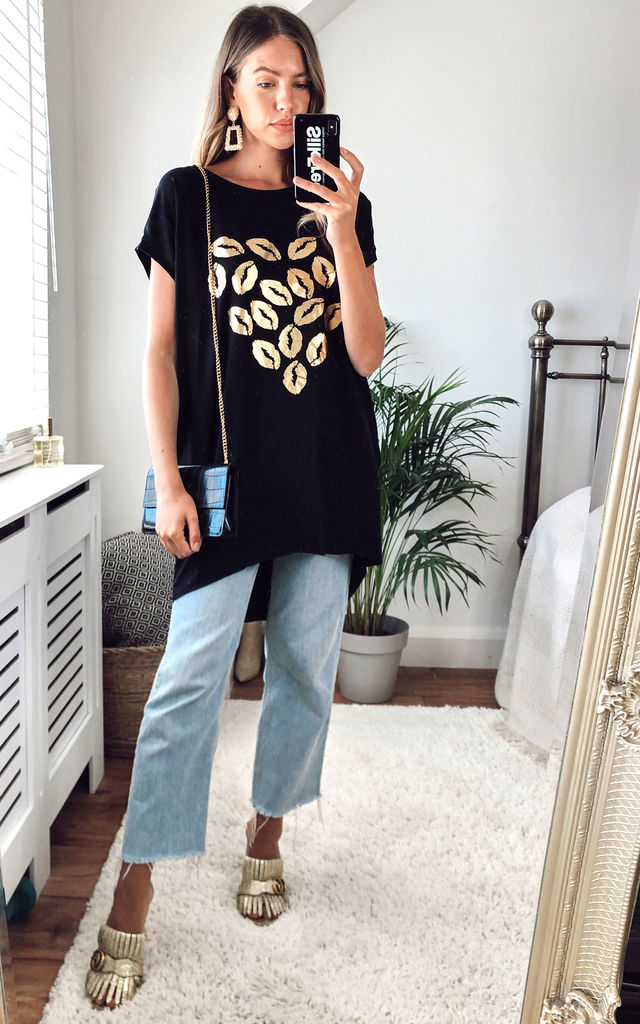Oversized Black Side pockets Bat Wings Loose Golden Lips Tshirt Top by Gini London