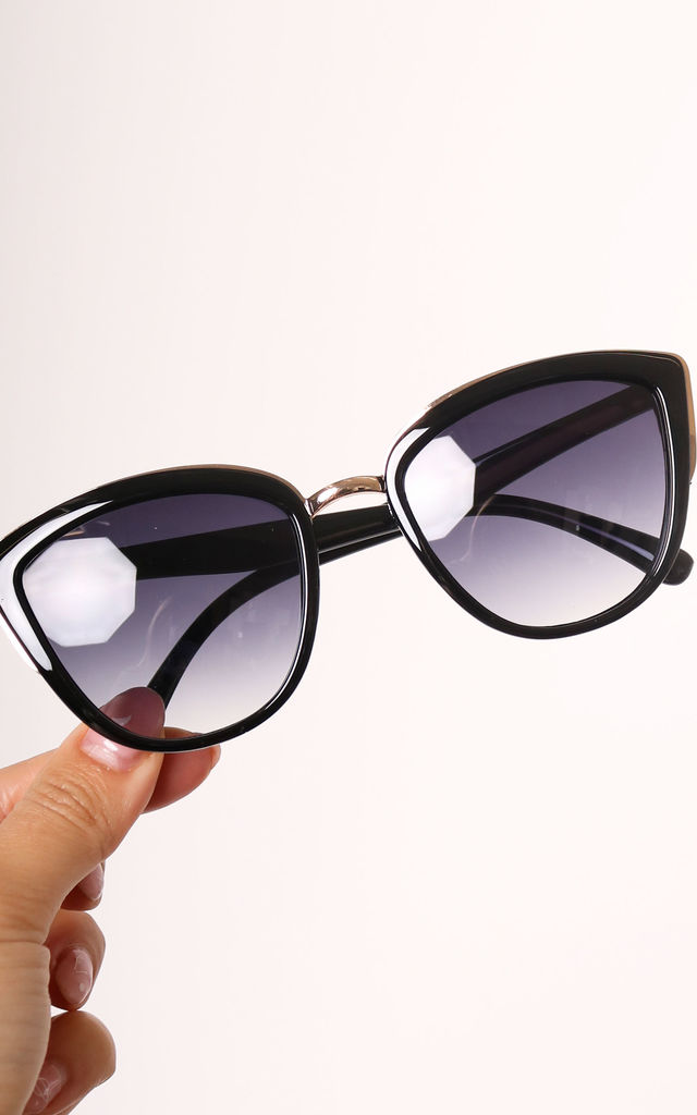 Doja Retro Oversized Cateye Sunglasses with Metal Trim in Black by One Nation Clothing