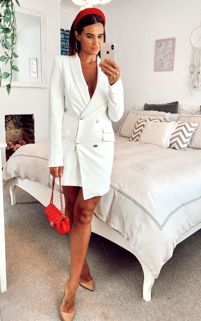 White long sleeve blazer dress by UNIQUE21