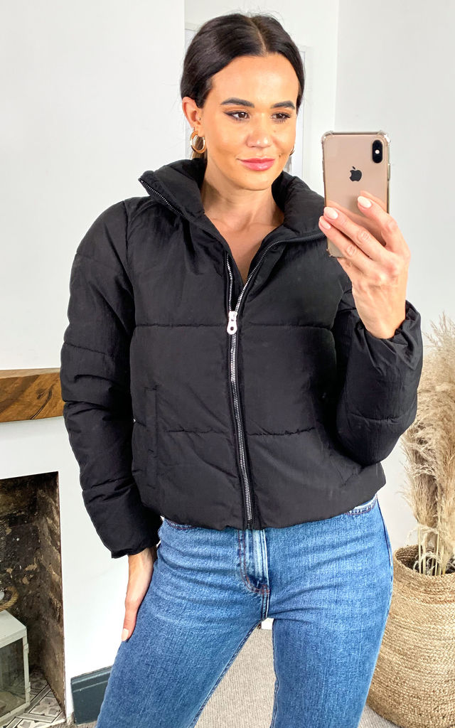 Cropped Puffer Coat In Black by ONLY