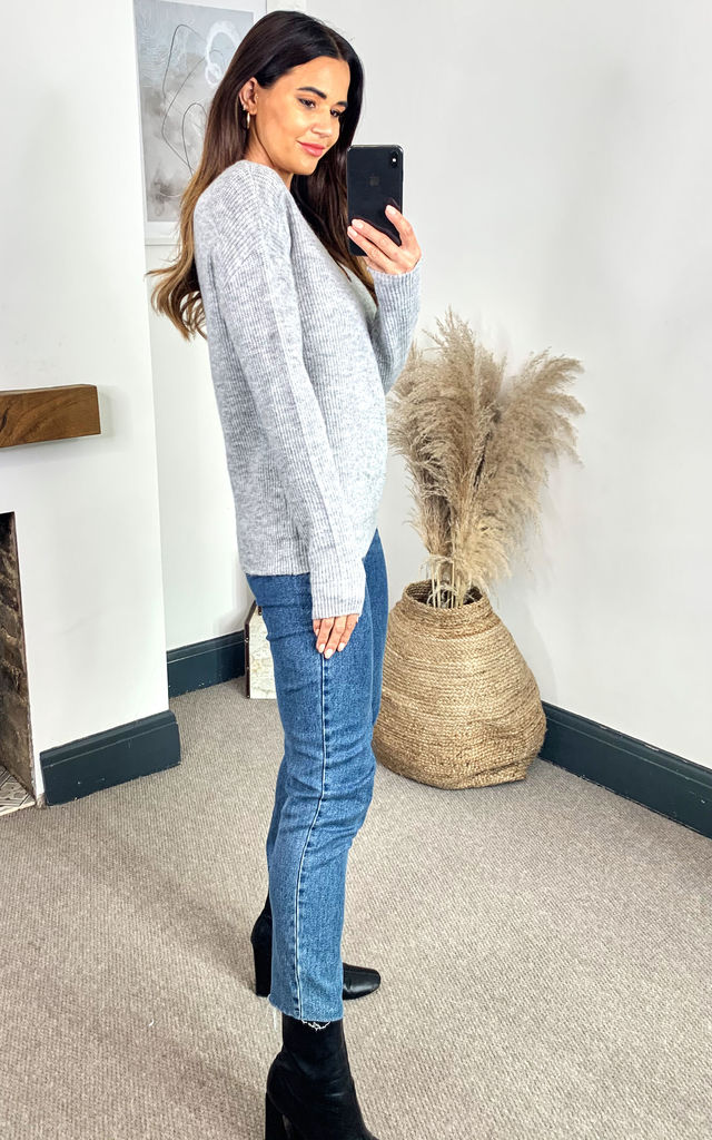 V Neck Knitted Jumper in Light Grey by Pieces