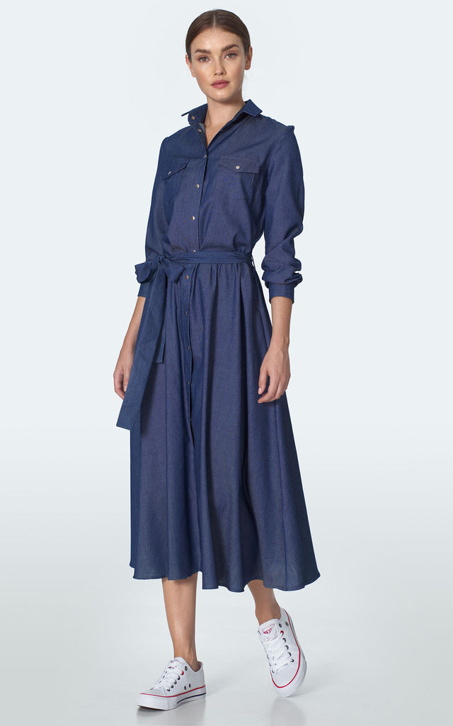 Midi Shirt Dress Tied at Waist in Navy Blue by so.Nife
