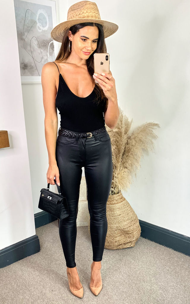 High Waist Skinny Coated Trousers in Black by Noisy May