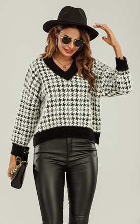 Colour Block V Neck Houndstooth Jumper In Black Grey White by FS Collection