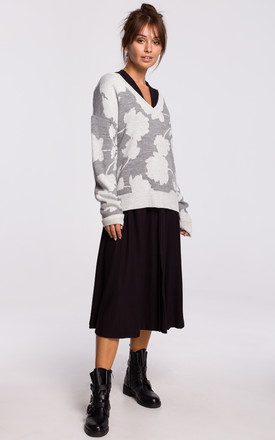 Floral Pattern Cardigan with V-Neck in Grey by MOE
